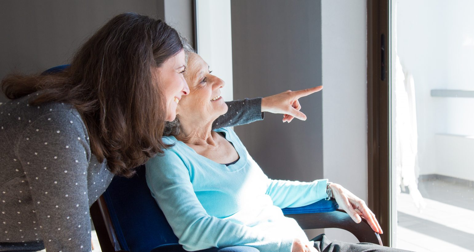 Caregiver providing in home care to client with heart failure